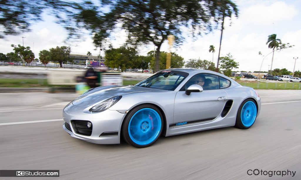Champion Porsche Rolling Cayman
